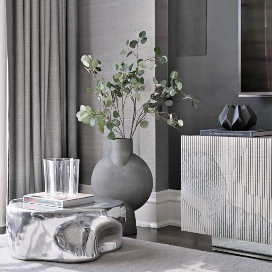 05-family-room-styling-details-vintage-accessories