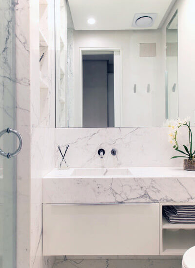 19-powder-room-calacatta-marble-custom-vanity